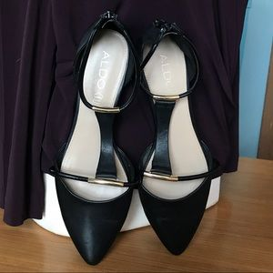 Aldo pointed toe flats with T strap